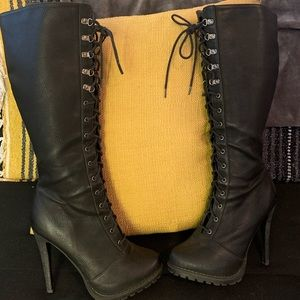 Lace up leather ALDO heeled boots